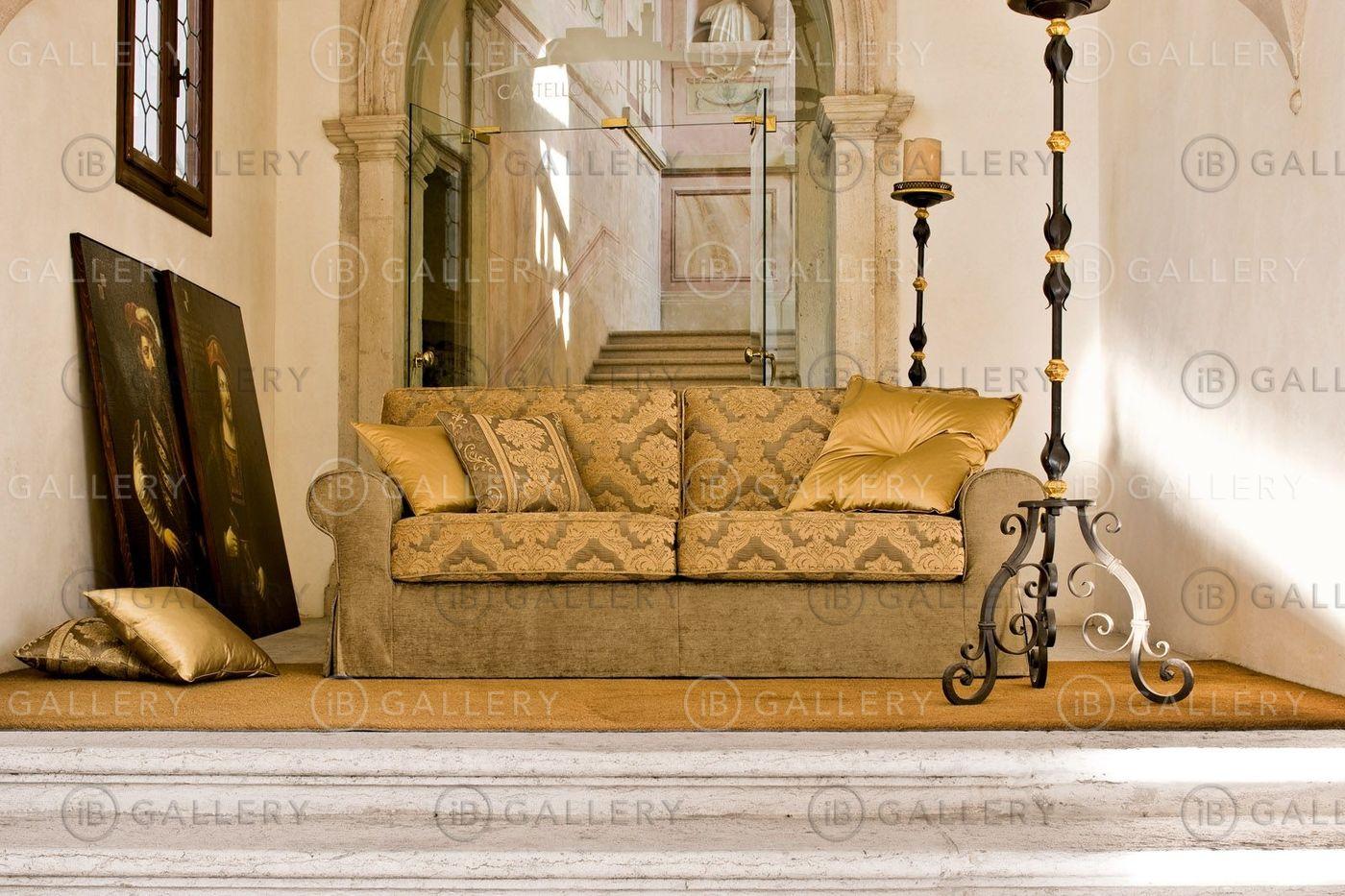 Двухместный раскладной диван с доставкой